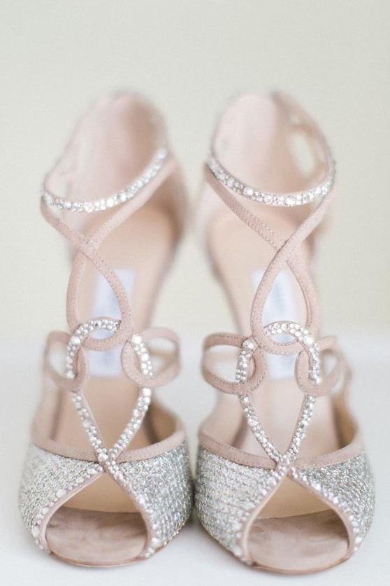В чем пойти на свадьбу летом девушке и женщине, какие туфли надеть - 3