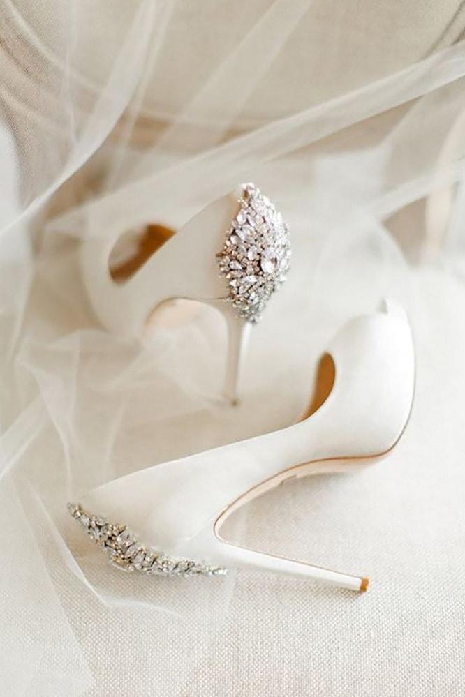 В чем пойти на свадьбу летом девушке и женщине, какие туфли надеть - 7