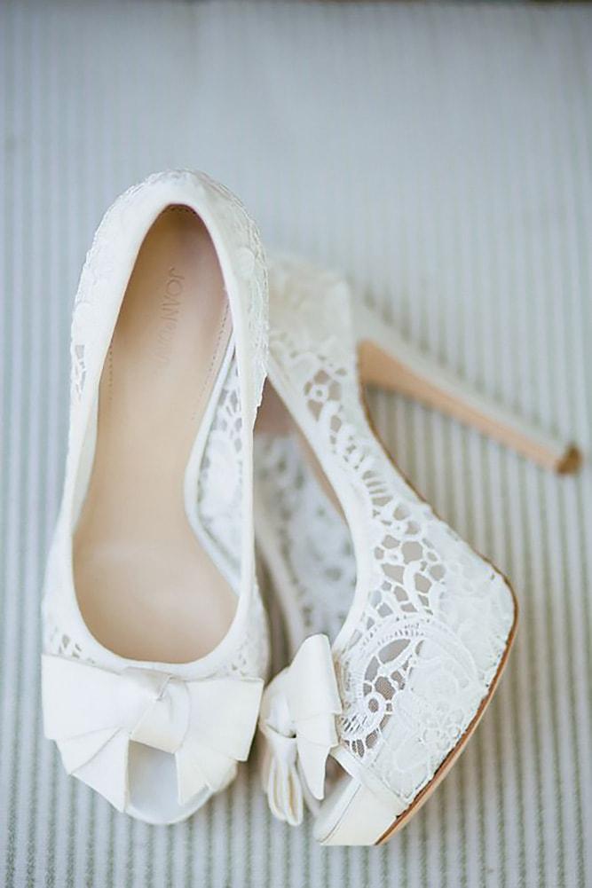 В чем пойти на свадьбу летом девушке и женщине, какие туфли надеть - 10