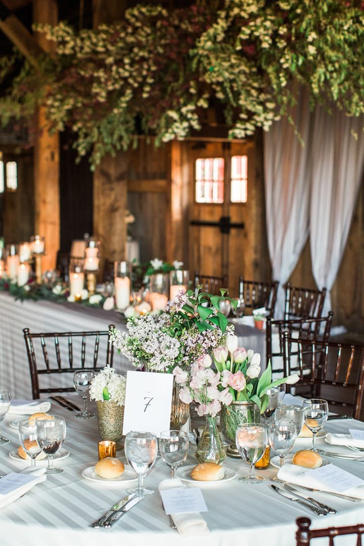 Как украсить зал на свадьбу, оформление свадебного зала живыми цветами - 2