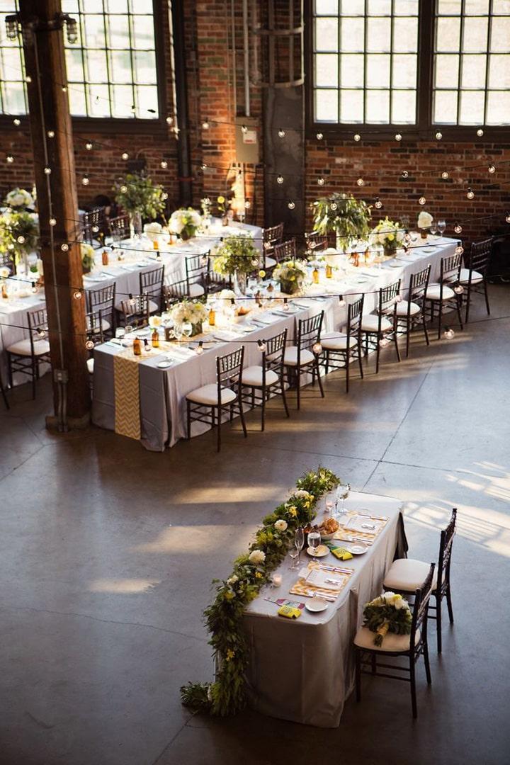 Список оригинальных идей для оформления и украшения зала на свадьбу своими руками - 5