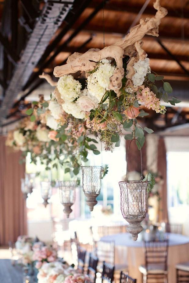 Список оригинальных идей для оформления и украшения зала на свадьбу своими руками - 7