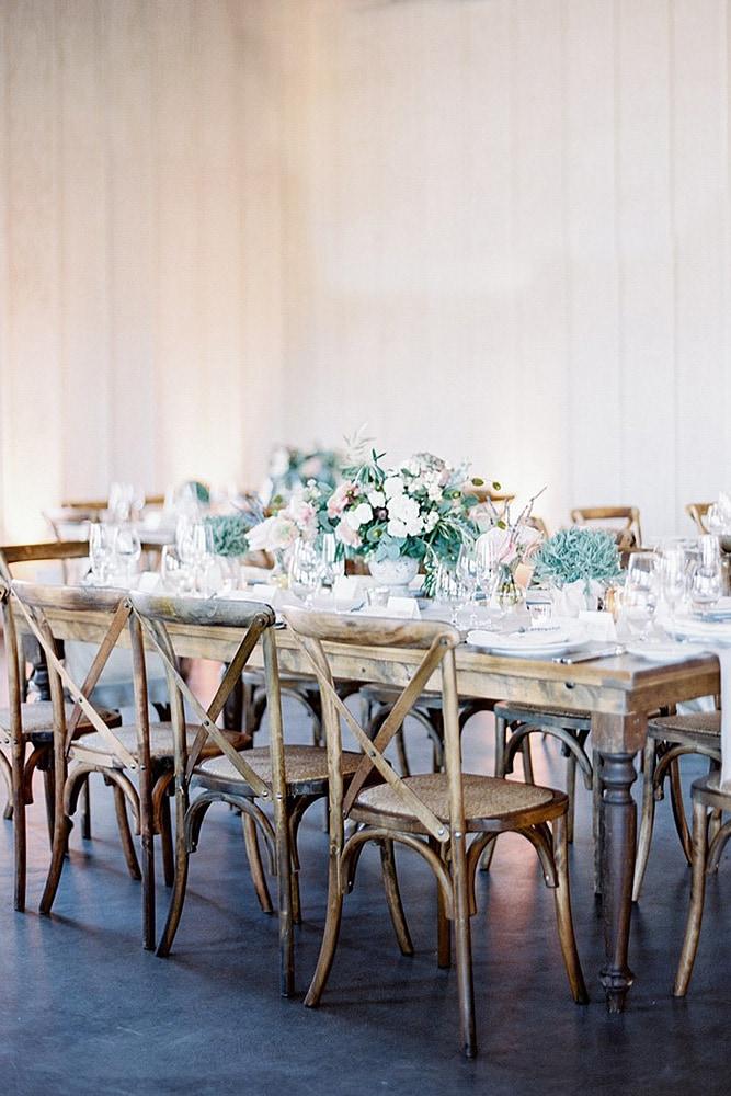 Список оригинальных идей для оформления и украшения зала на свадьбу своими руками - 8