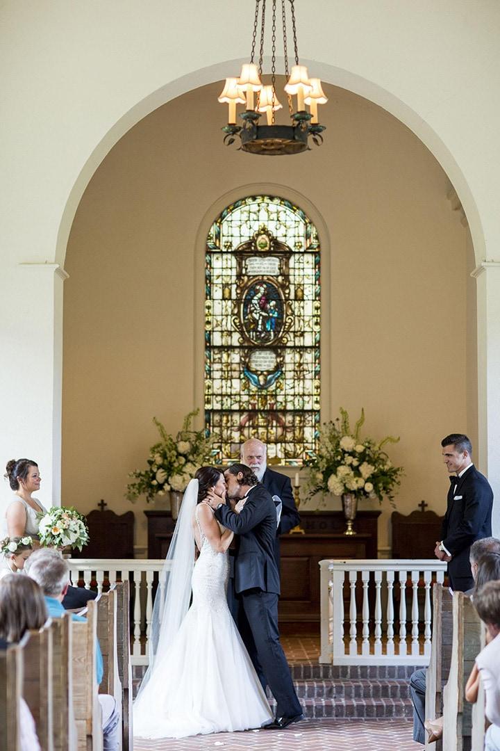 Как относиться к предложению помощи от друзей при самостоятельной организации свадьбы - 1